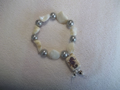 White irregular Pearls Gray Pearls Seahorse Stretchy Bracelet (B436)