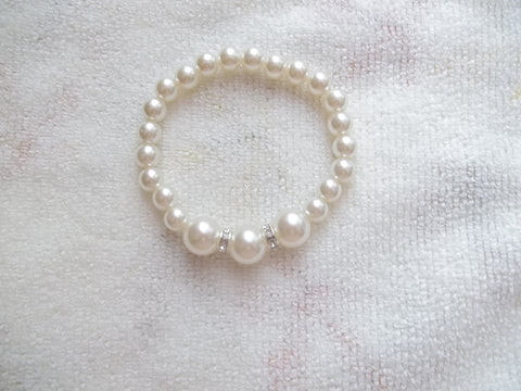 White Pearl Bling Stretchy Bracelet (B453)
