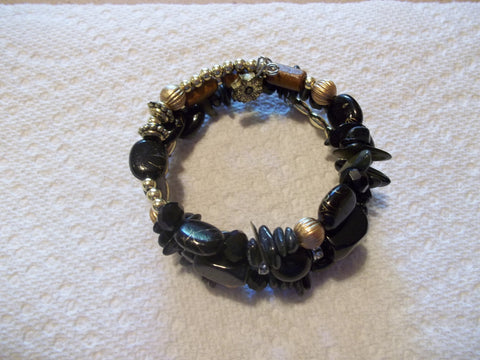 Memory Wire Black Glass Bracelet (B525)