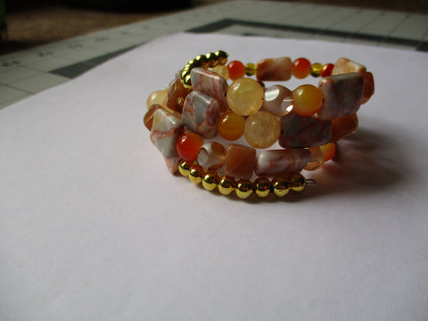 Memory Wire Gold Beige Yellow Orange Glass Beads Bracelet (B533)