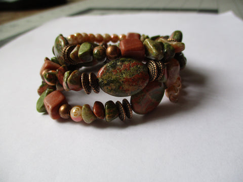 Memory Wire Green Brown Glass Beads Bracelet (B534)