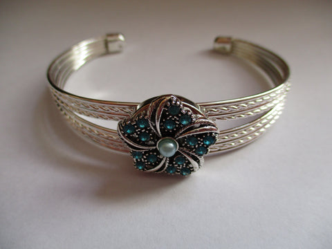 Silver Cuff Blue Bling Star Snap Button Bracelet (B538)