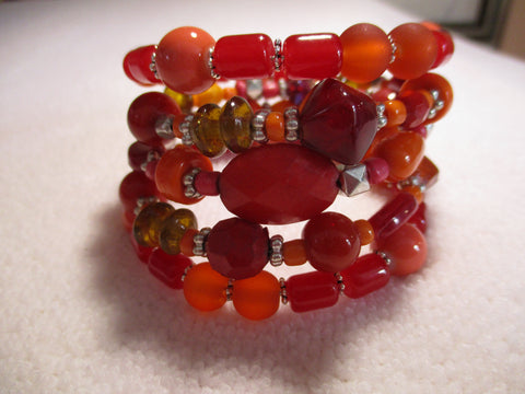 Memory Wire Red Orange Glass Bead Bracelet (B555)