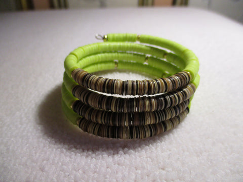 Memory Wire Green Brown Plastic Disk Bracelet (B561)