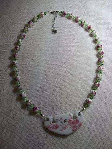 Ceramic Pink Flower Black Bird Pendant Green Glass Beads Necklace (N1007)