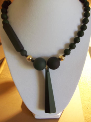 Matte Green Black Glass Beads Geometric Shape Pendant Necklace (N1071)
