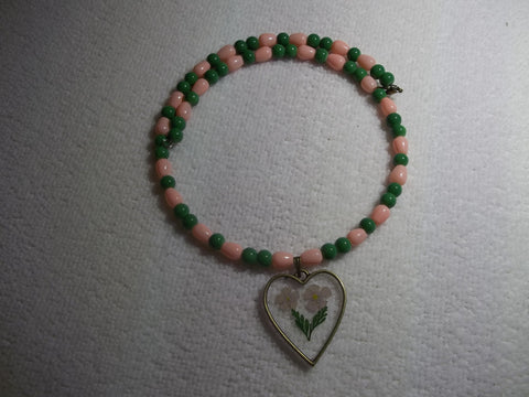 Memory Wire Peach Green Glass Beads Dried Flower Heart Shaped Pendant Choker Necklace (N1087)