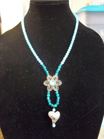 Blue Glass Beads Flower and Heart Pendant Necklace (N1097)
