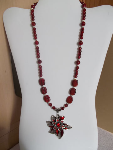 Silver Red Glass Beads Flower Pendant Necklace (N1138)