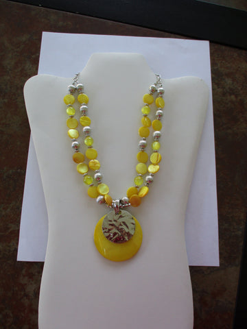 Silver Yellow Beads Yellow Mother of Pearl Beads Yellow Silver Mother of Pearl Shell Pendant (N1253)