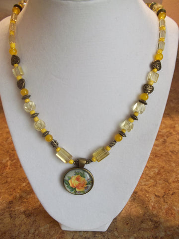 Bronze/Yellow Square Glass Bead w/Flower Pendant Necklace (N231)