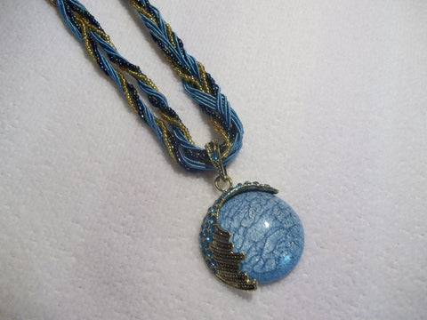 Braided Blue Circle w/Design Necklace (N455)