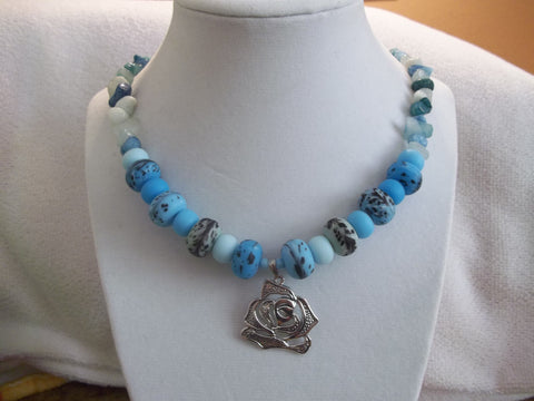 Glass Blue Mixed Bead w/Blue Rocks Silver Rose Pendant Necklace (N590)