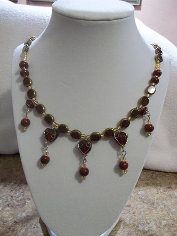 Gold/Red Glass Bead Necklace (N598)