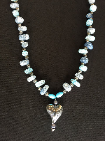 Blue Beads Large Crackle Rock Chips Silver Beads Silver Heart Pendant Necklace (N620)