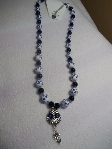 Sliver Glass White/Blue Beads w/Silver Owl/Flower pendant Necklace (N673)