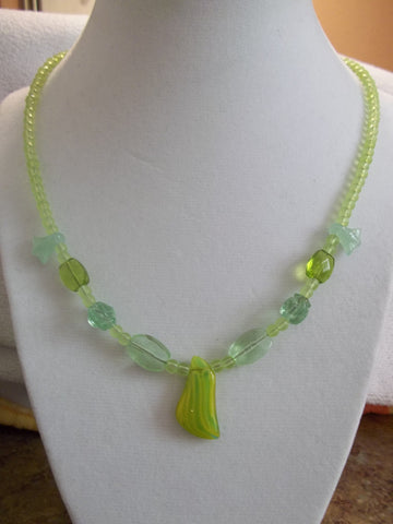 Glass Green Tulips Green Glass Beads Necklace (N842)