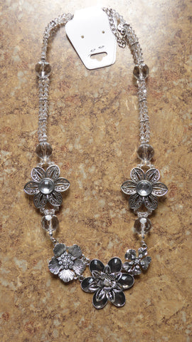 Clear Crystal Beads Bi-Cones Silver Flowers Necklace (N909)