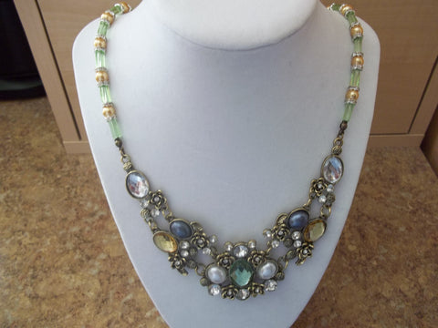 Green Glass Beads Gold Pearls Bronze Multi Gem Pendant Necklace (N926)
