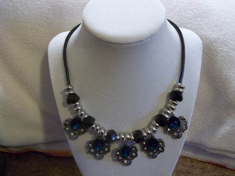 Black Cord Silver Black Beads Dark Blue Heart shaped Bling Pendants Bib Necklace (N934)