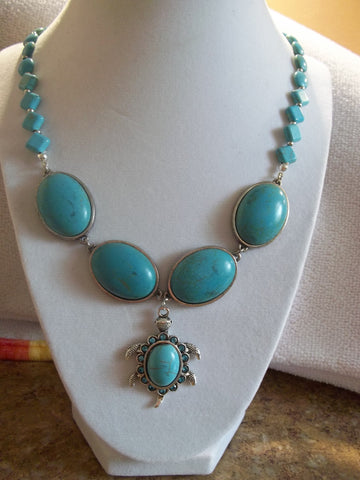 Turquoise Glass Beads Silver Turtle Pendant Necklace (N942)