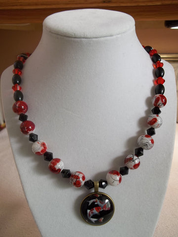 Red Black Glass Beads Bronze Bubble Fish Pendant Necklace (N986)