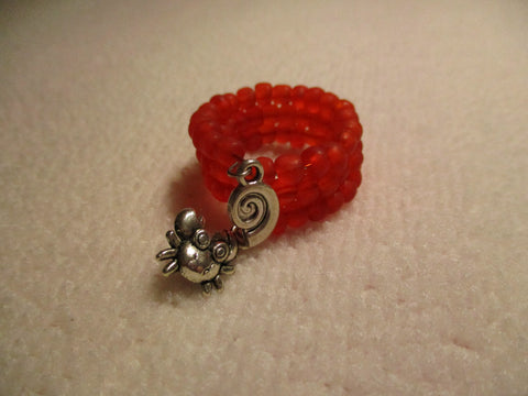 Memory Wire Red Glass Seed Bead Silver Shell Crab Ring (21)