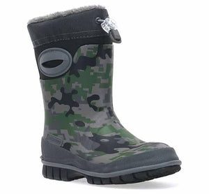 Boys neoprene boots with green and black camo upper, breeze-free handles, and a drawstring for a better fit.