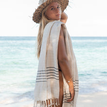 Load image into Gallery viewer, white luxury turkish cotton towels