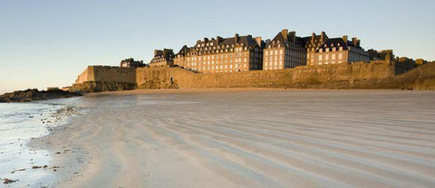 (Thalosstherapy spa in Saint Malo, Brittany, France.)