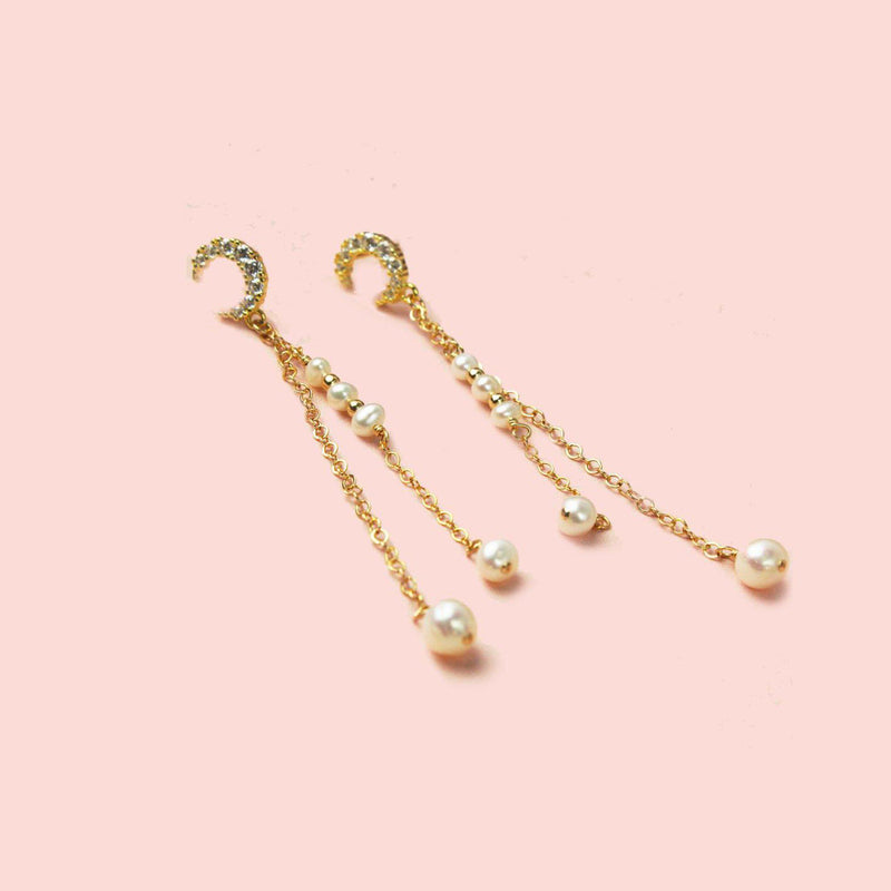 Pearl on Moon Earring-Adorn Earring-La Meno