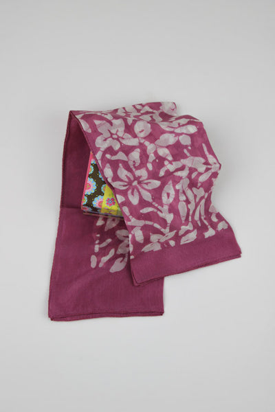 Natureroots Organic Manjista and lac colored scarves
