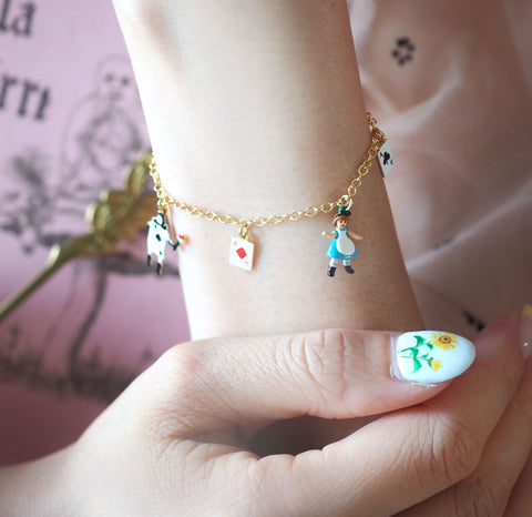 N2 - AMAL203 ALICE AND THE CARD SOLDIERS CHARMS BRACELET