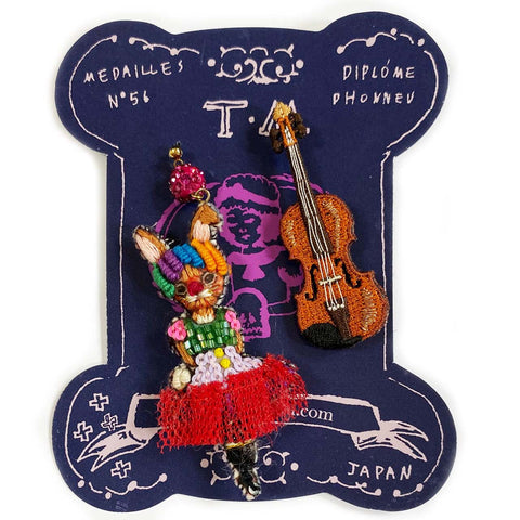 TM - PIE2722 Earrings Circus (Rabbit & Violin)