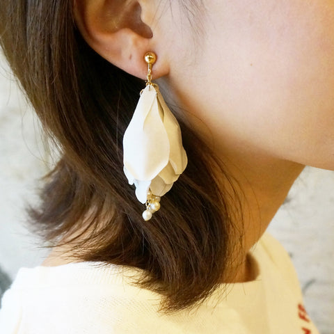 HFC - 1022 Haku Mokuren Earrings