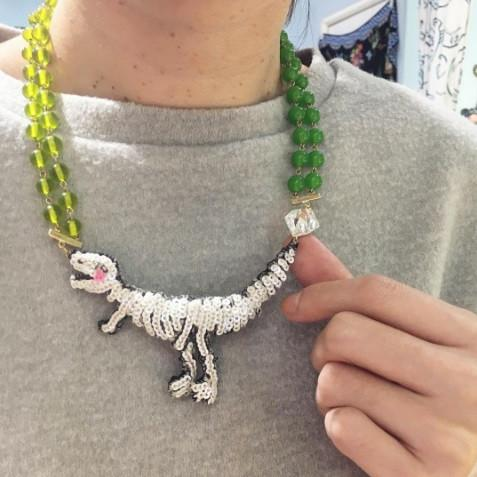TM - NEK1818 Necklace Dino Bones