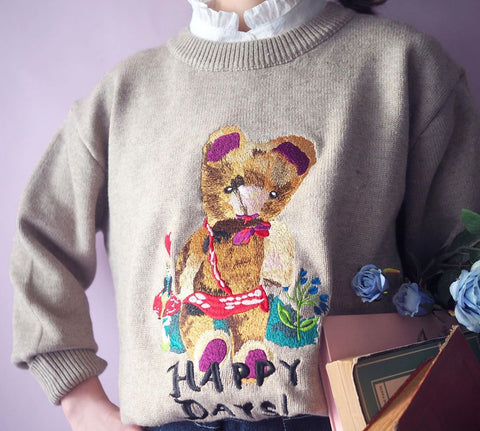 NL - Embroidery Sweater