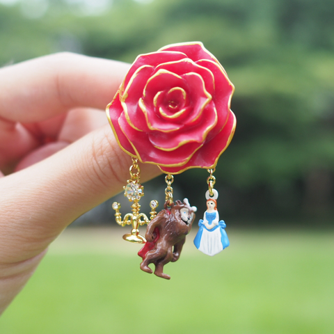 N2 - AIBE403 THE BEAUTY AND THE BEAST DOUBLE PIN'S