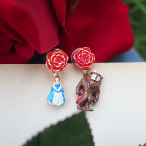 N2 - AIBE109 THE BEAUTY AND THE BEAST ASYMMETRICAL EARRINGS