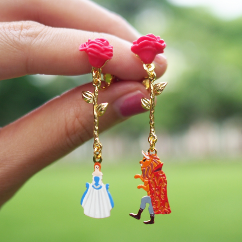 N2 - AIBE106 RED ROSES AND THE BEAUTY AND THE BEAST CHARMS ASYMMETRICAL EARRINGS