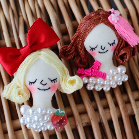 ES-E001A Face Earrings / Pink & Red Ribbon