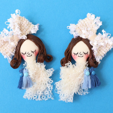ES-E011 Face Earrings / White Ribbon