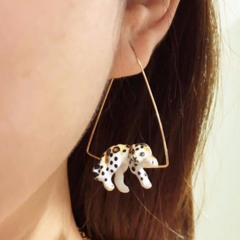 NB - J137 Earrings Lying Leopard triangle