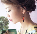 NB - J295 Black & Gold Toucan Hoop Earrings