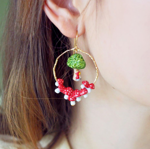 NB - MJ4 Little Red Earrings & Tree
