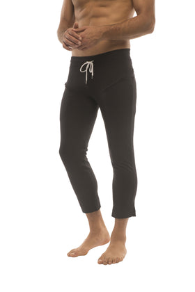 Mens 4/5 Zipper Pocket Capri Yoga Pants (Solid Black) Capri Pants 4-rth