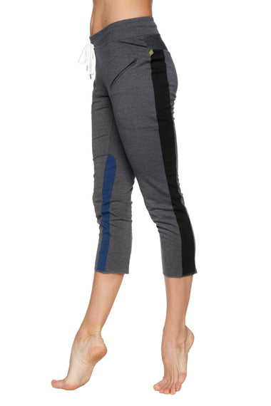 Women's 4/5 Length Zipper Pocket Capri Yoga Pant (Charcoal w/Black & Blue) Womens Capris 4-rth