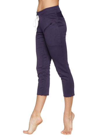 Women's 4/5 Length Zipper Pocket Capri Yoga Pant (Eggplant) Womens Capris 4-rth