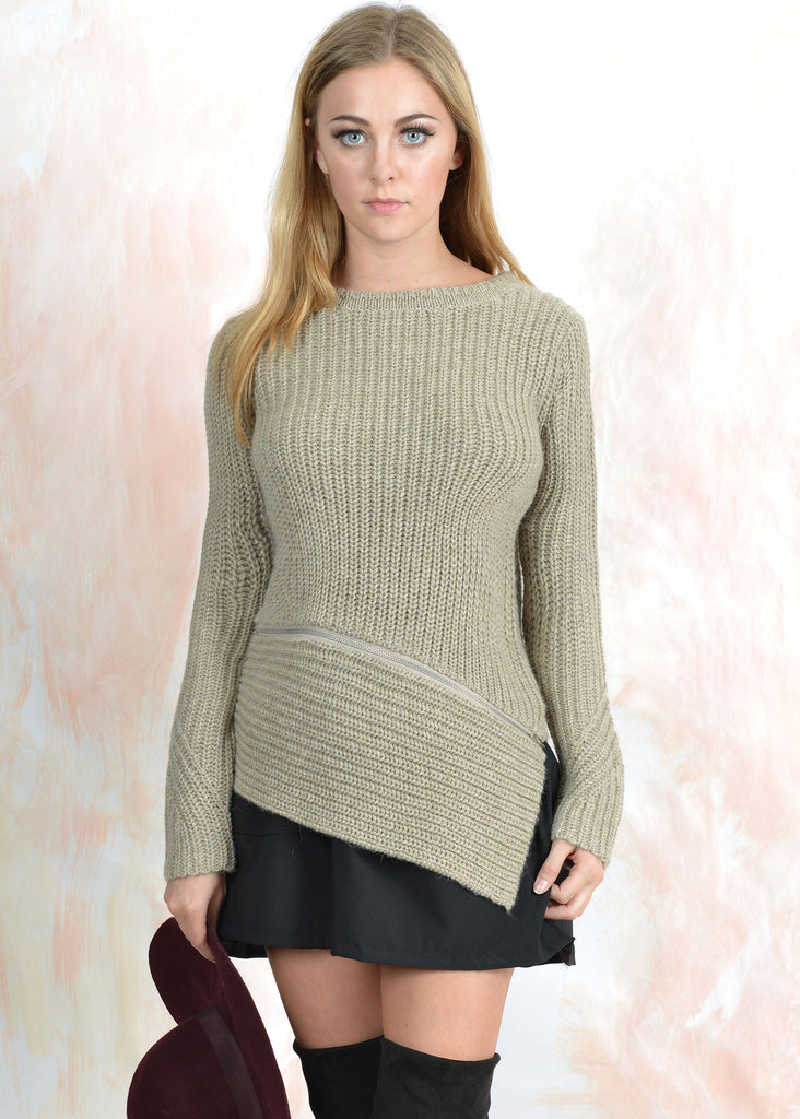 Zip Details Asymetric Hem Sweater