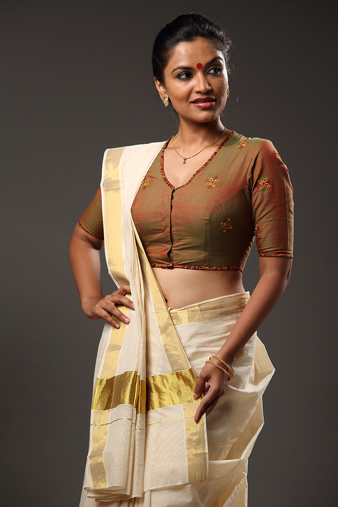 Kaapi Niram` Embroidery Blouse